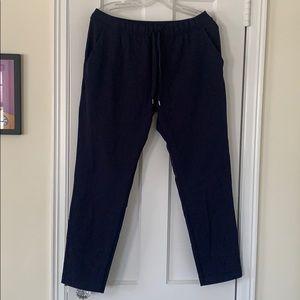 Lululemon on the fly pants size 8 navy